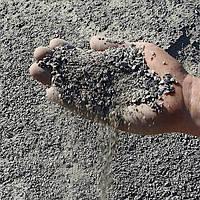 Отсев гранитный (фракции 0-5мм) серый от производителя