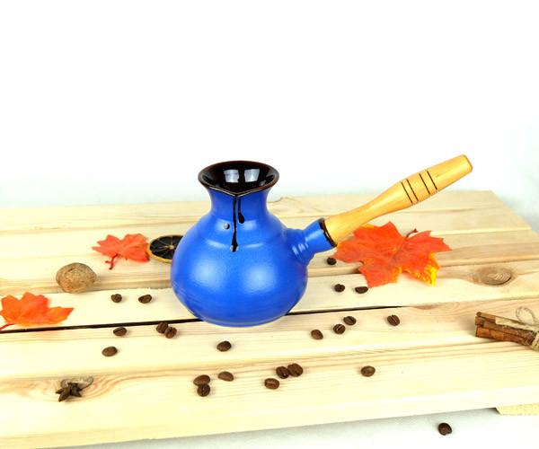 Турка синяя керамическая с деревянной ручкой 350 мл