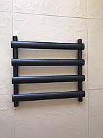 Черный матовый полотенцесушитель MENTON 4/496 S 495*545