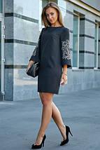 Платье выше колен прямого кроя с вышивкой цвет черный, фото 3