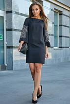 Платье выше колен прямого кроя с вышивкой цвет черный, фото 2