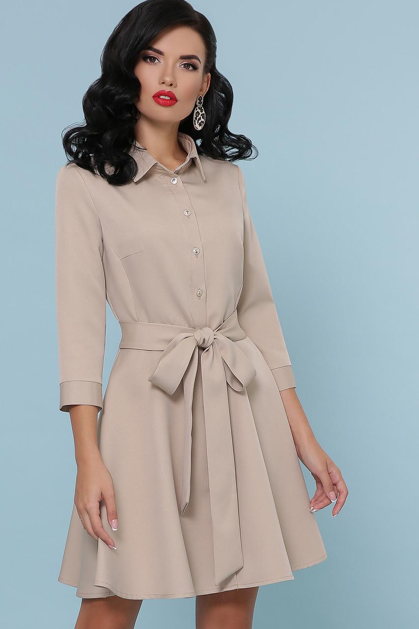 Расклешенное платье рубашка короткое бежевое
