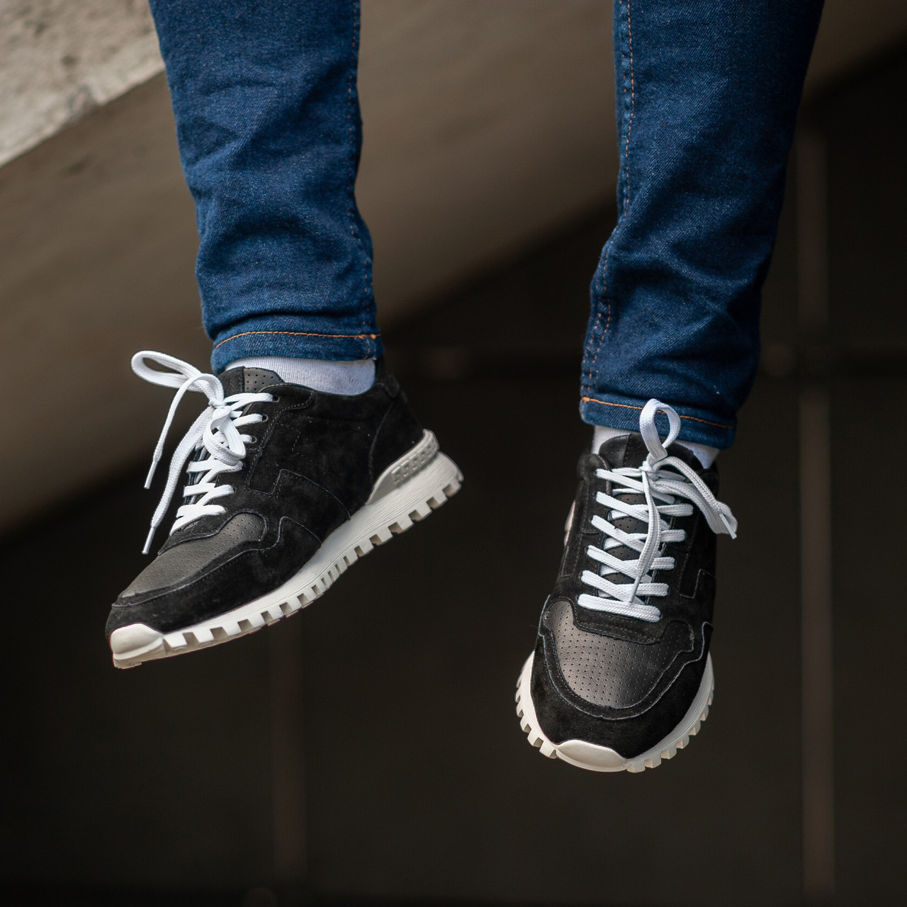 Мужские кроссовки South Classic black. Натуральная замша