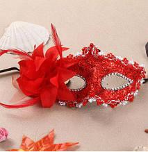 Маска карнавальная красная с цветком