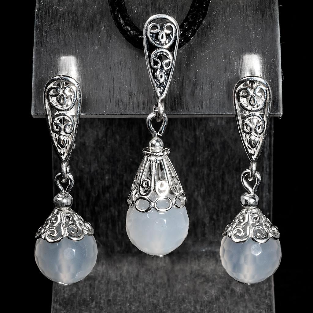 Комплект срібний кулон і сережки з білим агатом, Ø10 мм, 085КМА