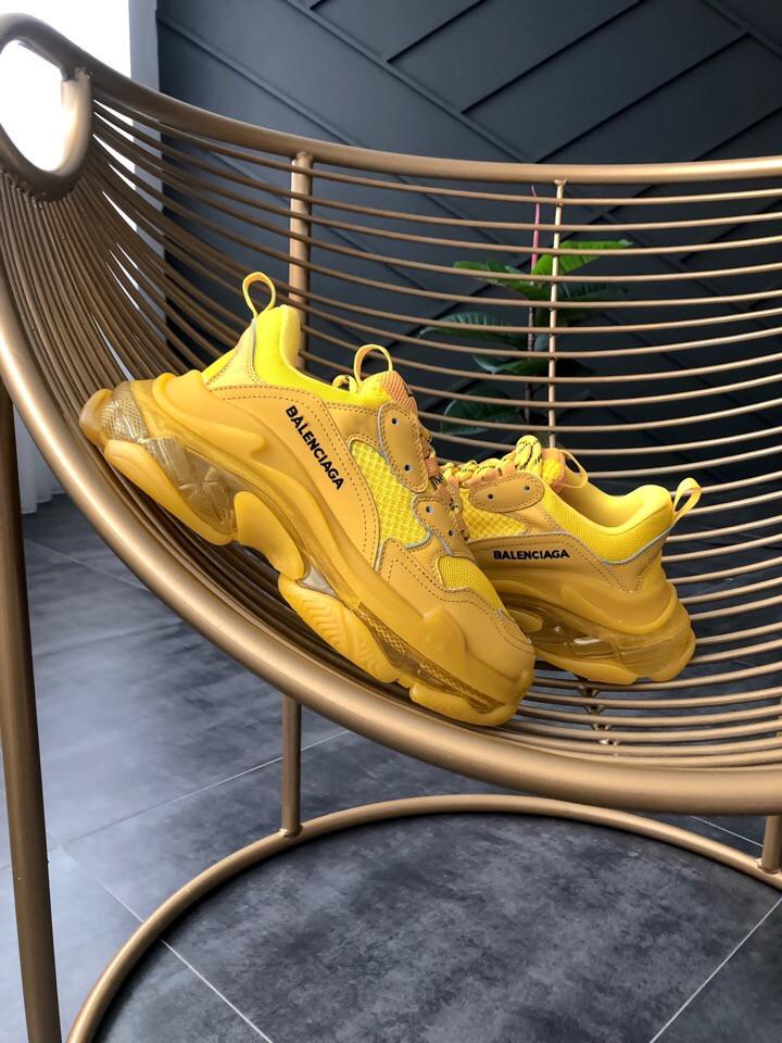 Женские кроссовки Balenciaga Triple-S Clear Sole Sneaker-Yellow в стиле Баленсиага