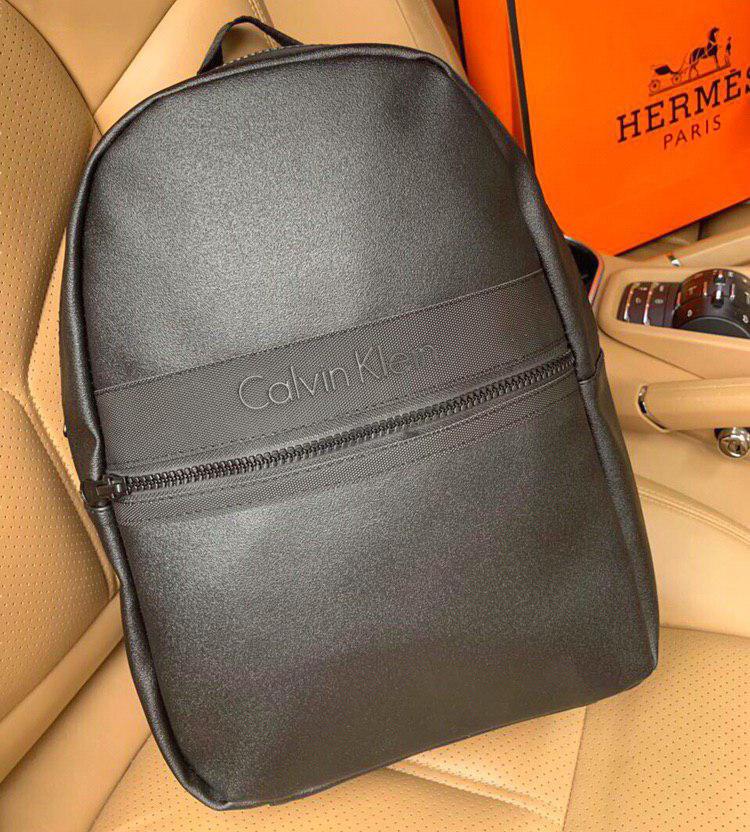 Рюкзак Calvin Klein D1690 черный