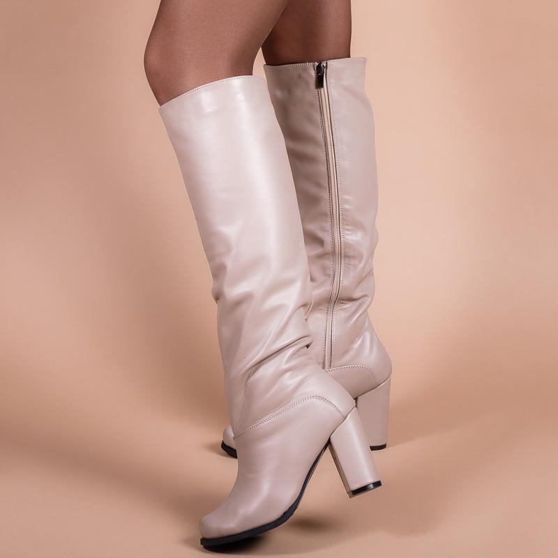 Женские сапоги бежевые кожаные на каблуке. Индивидуальный пошив. Цвет на выбор