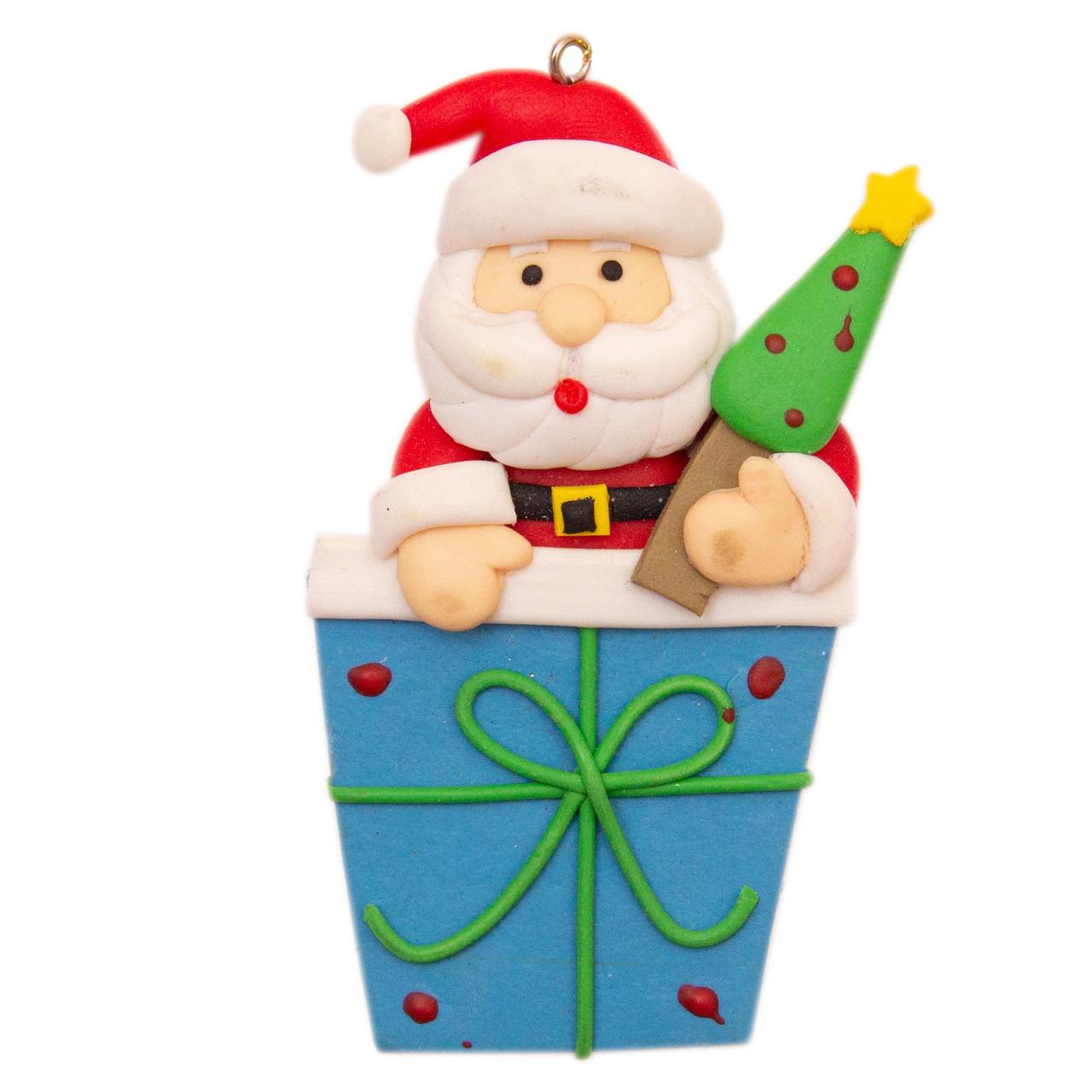 Новогодняя елочная игрушка - фигурка Дед Мороз с большим подарком, h-9 см, синий, керамика (000371-7)
