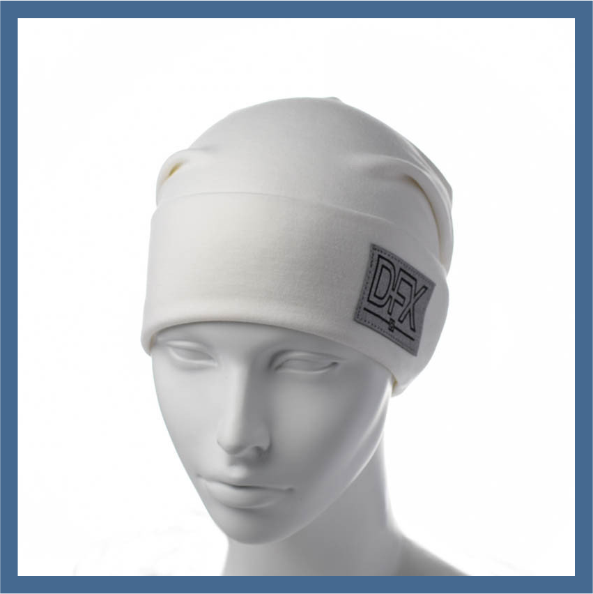 Трикотажная шапка с нашивкой DFX