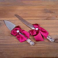 Нож и лопатка для свадебного торта с бордовыми лентами