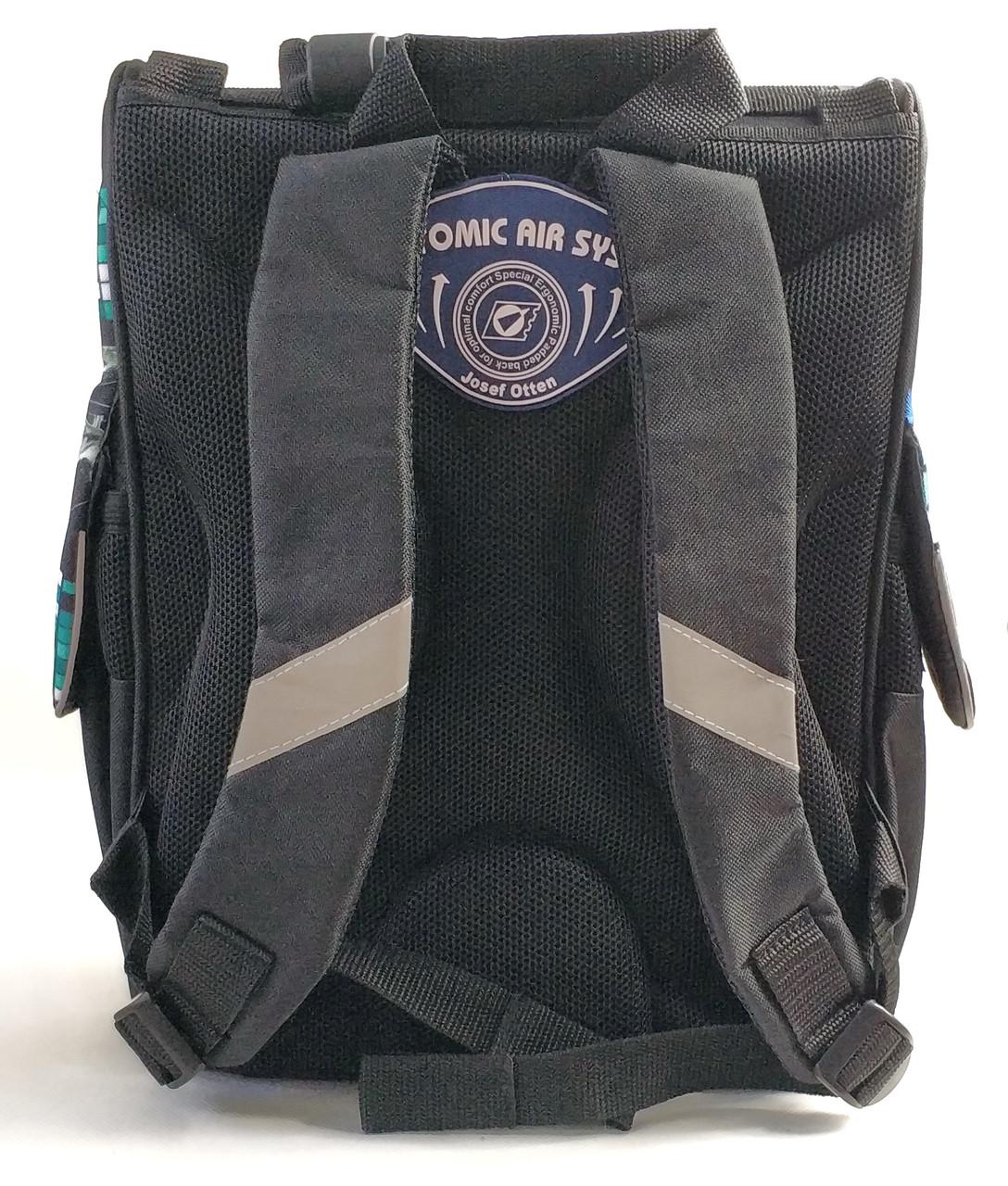 Фирменный школьный каркасный рюкзак вид сзади
