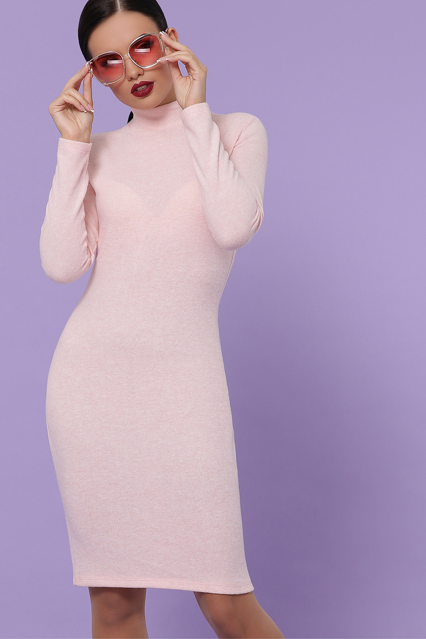 Теплое платье-гольф по колено цвет персиковый