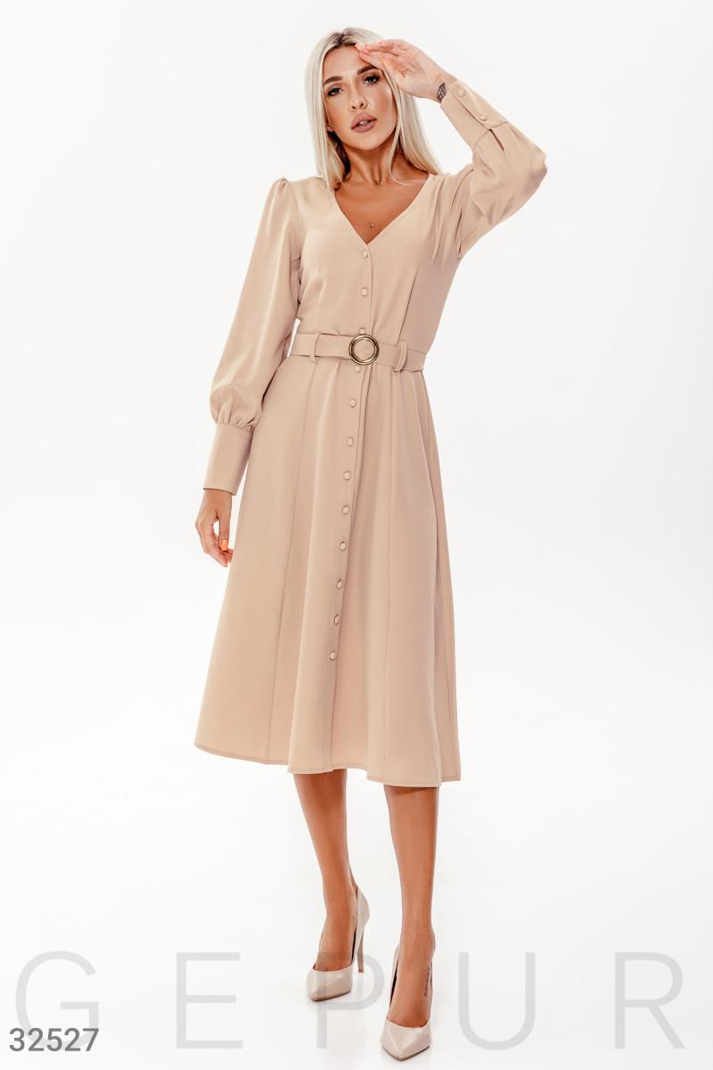 Платье-миди на пуговицах с оригинальным рукавом бежевое