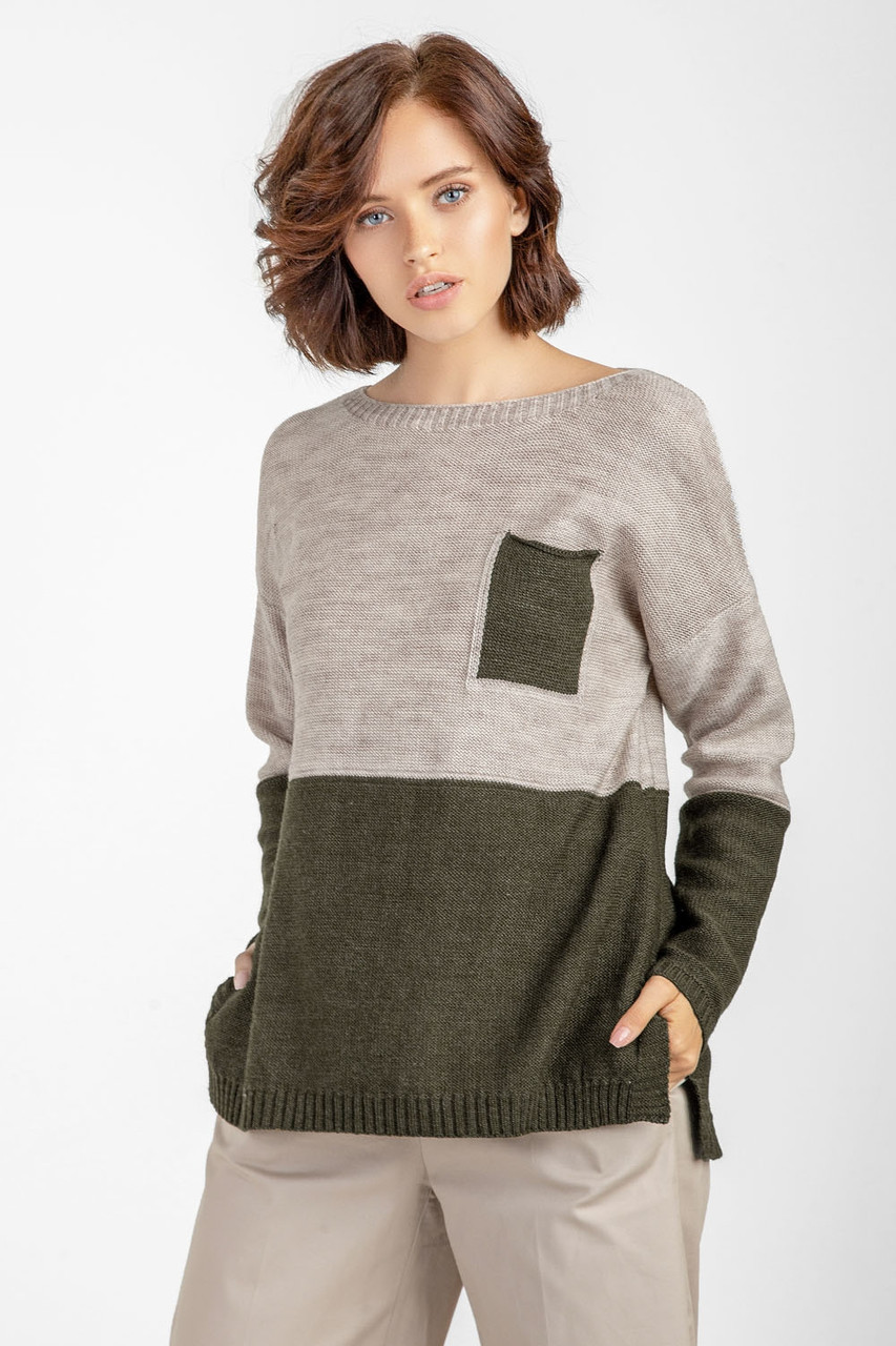 Двухцветный свитерок 44-46,48-52 размеры