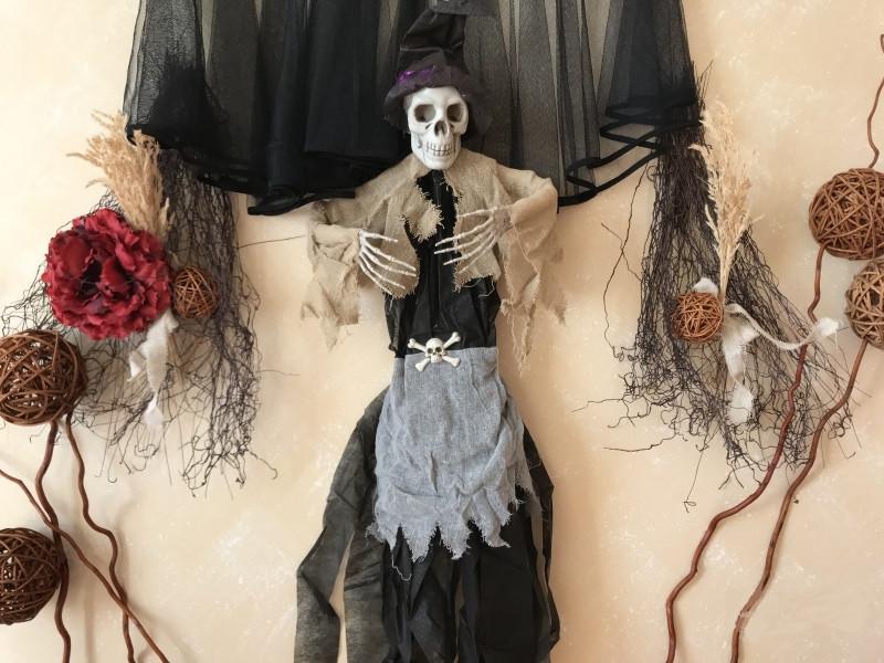 Кукла Череп в шляпке - аксессуар для Хэллоуина