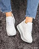Стильные белые кроссовки женские на декорированной подошве, фото 4