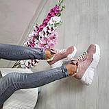 Женские зимние замшевые кроссовки на высокой подошве (пудра), фото 6