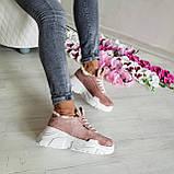 Женские зимние замшевые кроссовки на высокой подошве (пудра), фото 9