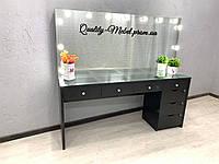 Черный визажный стол с  витринной столешницей