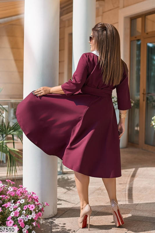Бордовое платье для полных в офисном стиле, фото 2