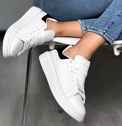 Женские кроссовки Mcqueen Leather Sneakers белые с черным. Живое фото (Реплика ААА+)