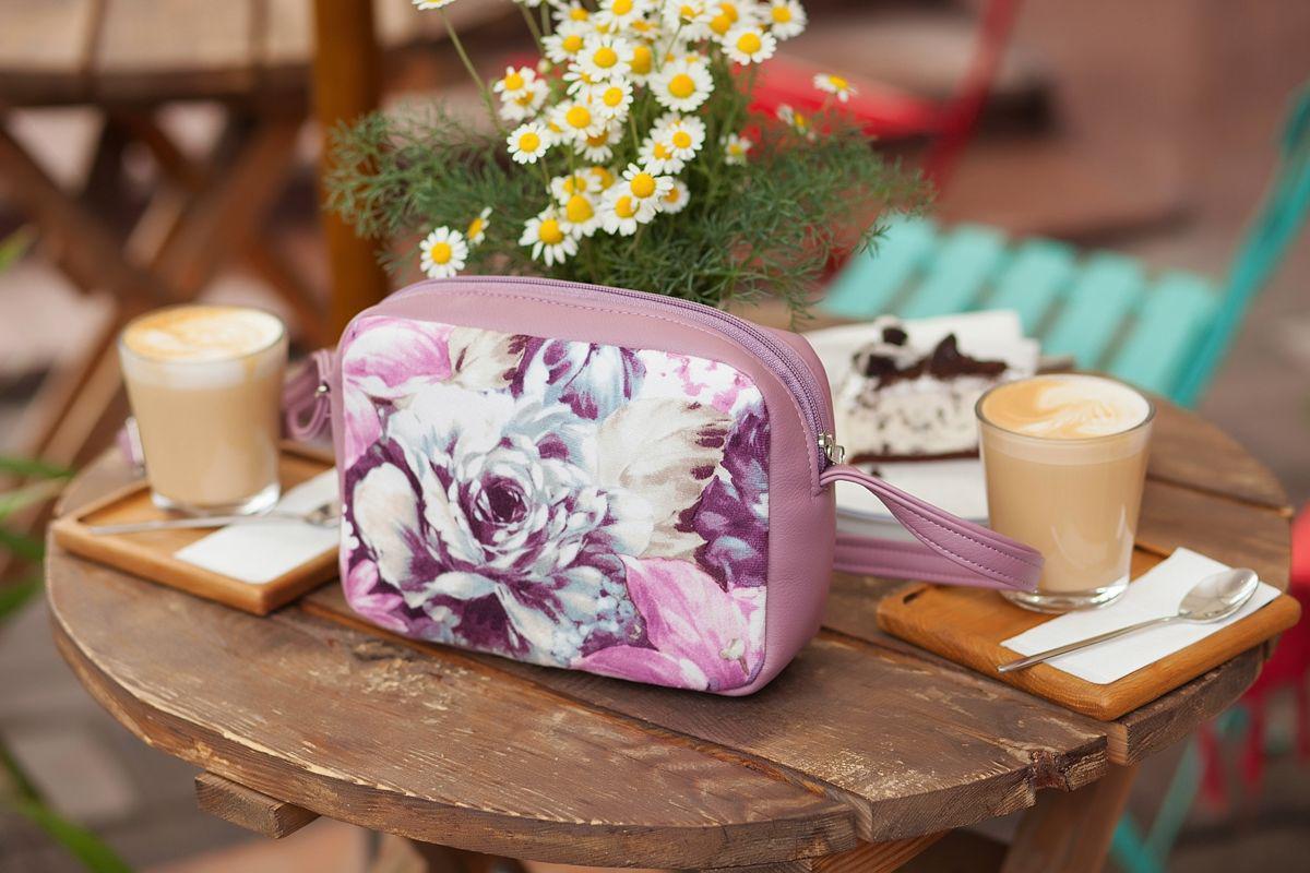 Женский небольшой лиловый клатч с цветами E005