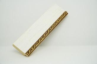 Багет дерев'яний молочний паспарту з бронзовою косичкою