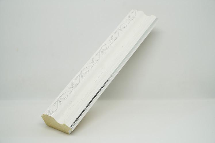 Багет дерев'яний білий з сріблом