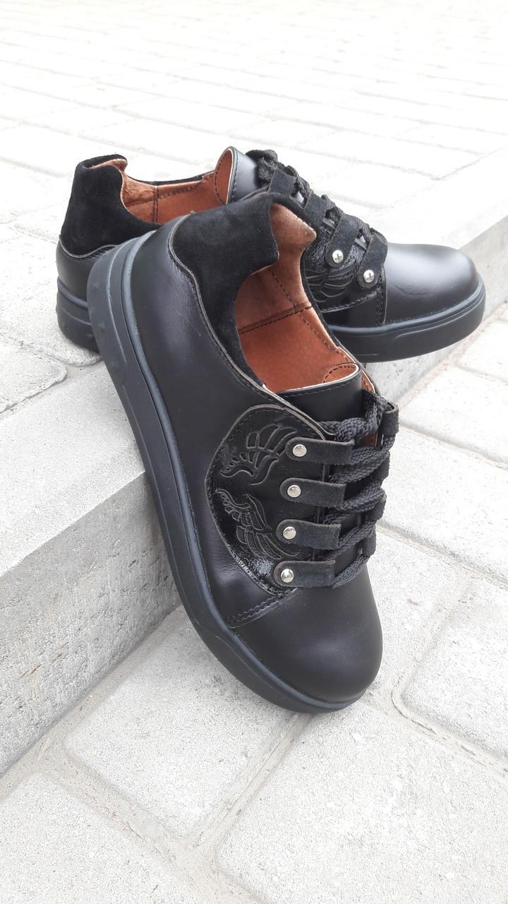 Кеди жіночі повсякденні шкіра чорні шнурівка від виробника KARMEN