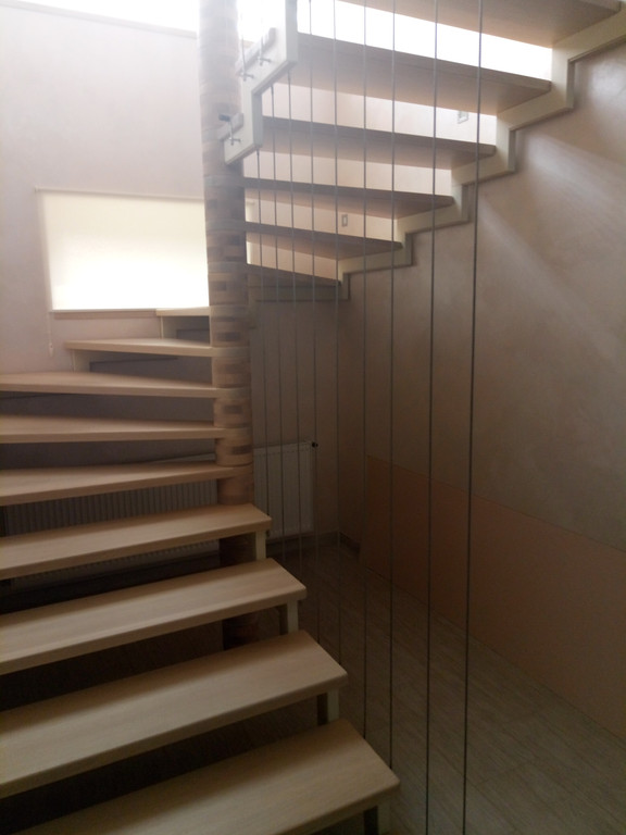 вертикальное тросовое ограждение винтовой лестницы. Запорожье, 2019 год. 1