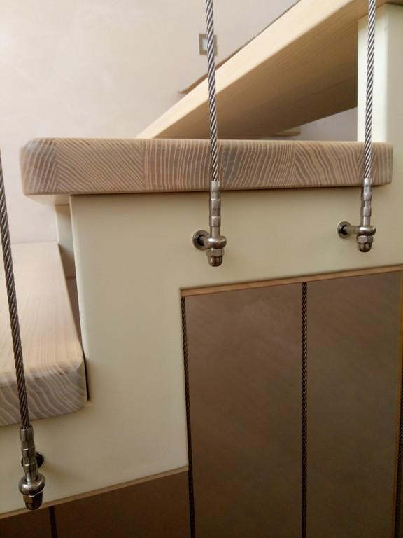 вертикальное тросовое ограждение винтовой лестницы. Запорожье, 2019 год. 3