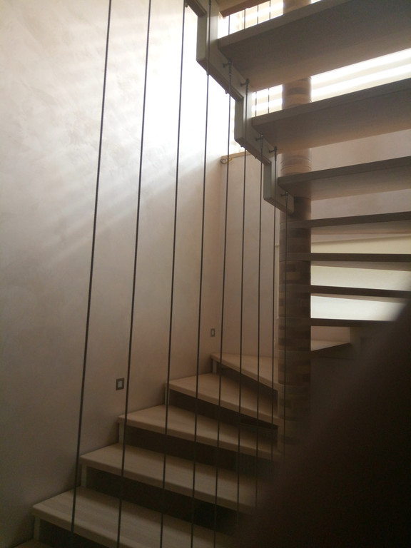 вертикальное тросовое ограждение винтовой лестницы. Запорожье, 2019 год. -1