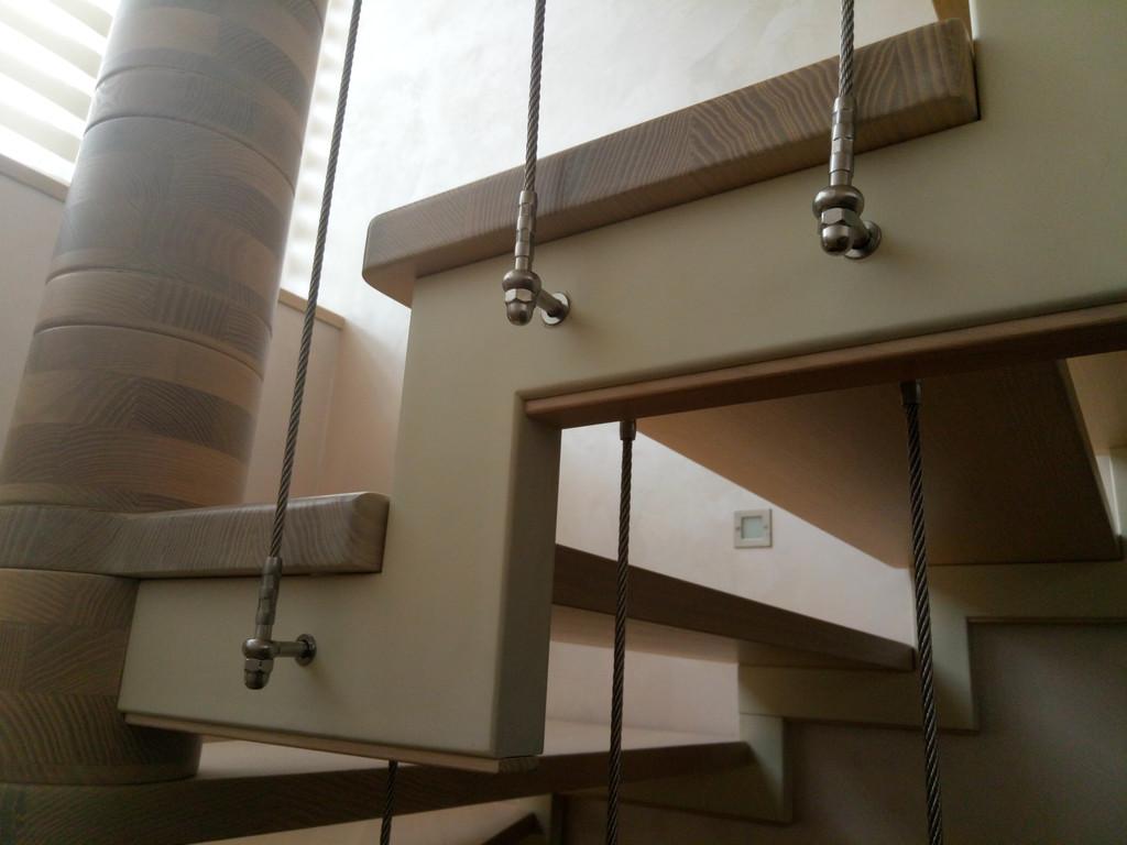 вертикальное тросовое ограждение винтовой лестницы. Запорожье, 2019 год. 9
