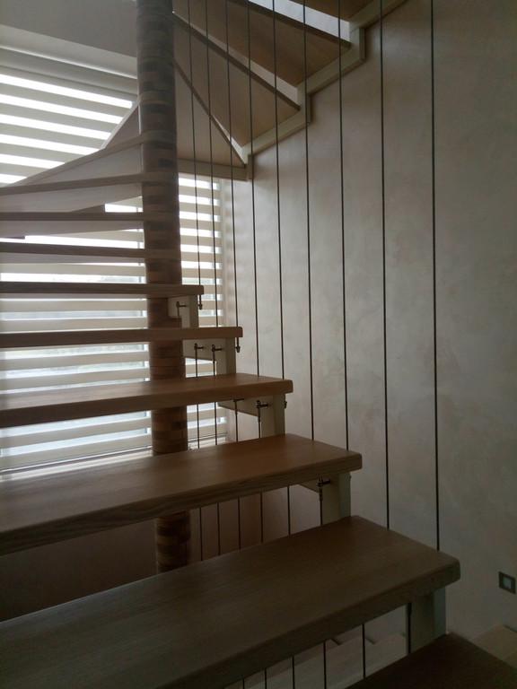 вертикальное тросовое ограждение винтовой лестницы. Запорожье, 2019 год.