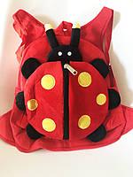 Детский плюшевый рюкзак-игрушка Божья коровка, фото 1