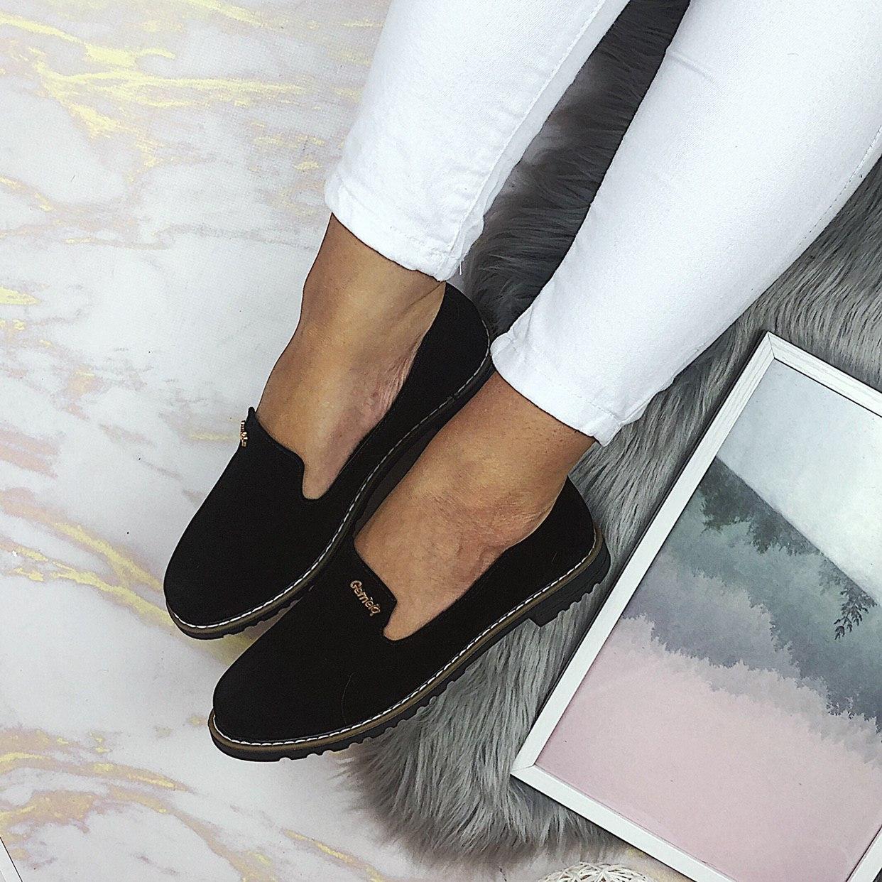 Женские черные туфли-лоферы