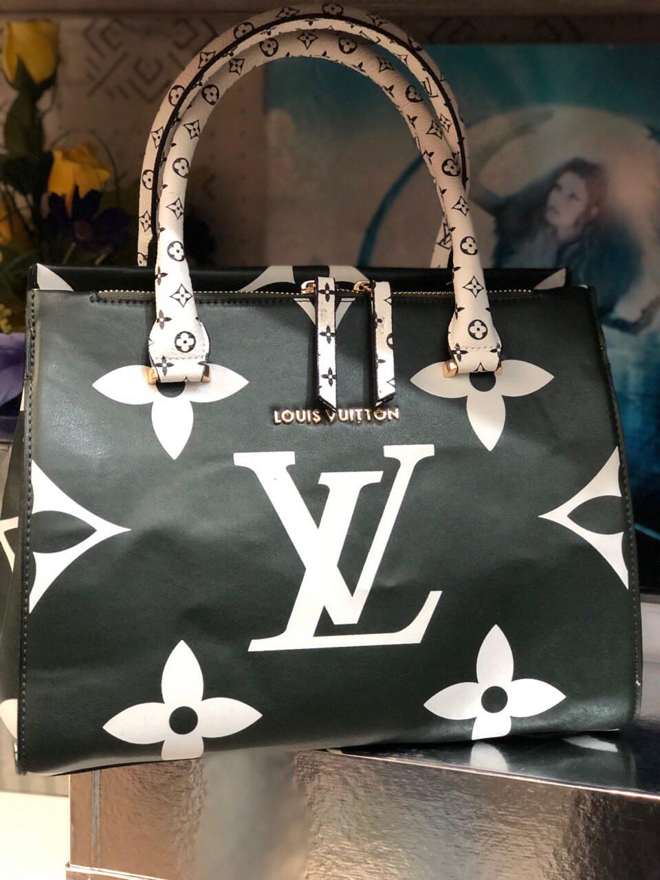 Сумка женская  Louis Vuitton LV ( реплика луи витон) чёрная