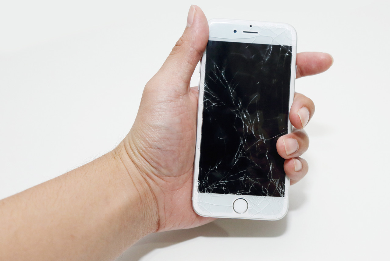 Экраны и дисплейные модули iPhone: какой выбрать и какая стоимость?