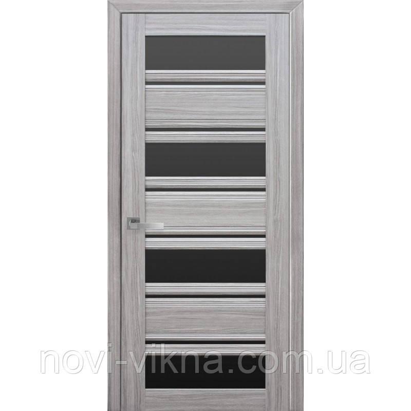 Дверь межкомнатная Венеция С2 жемчуг серебряный 600 мм со стеклом BLK (черное).