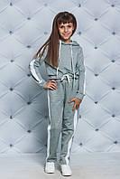 Спортивный костюм для девочки с лампасом светло-серый