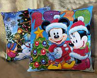 Новогодняя сувенирная подушка 2020 Микки и Минни Маус