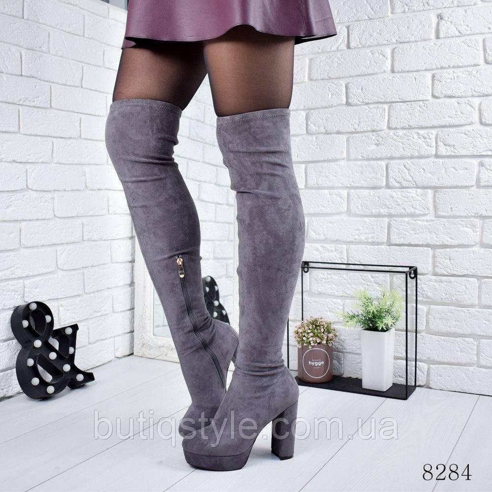 Демисезонные женские серые ботфорты на каблуке экозамш