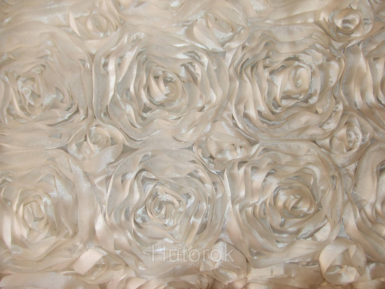 Атласные розы 3D (молоко)