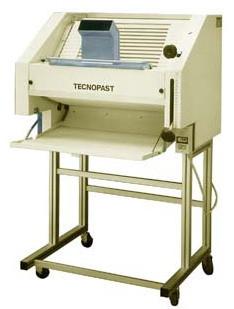 Багетозакаточная машина TECNOPAST ВТ 700А
