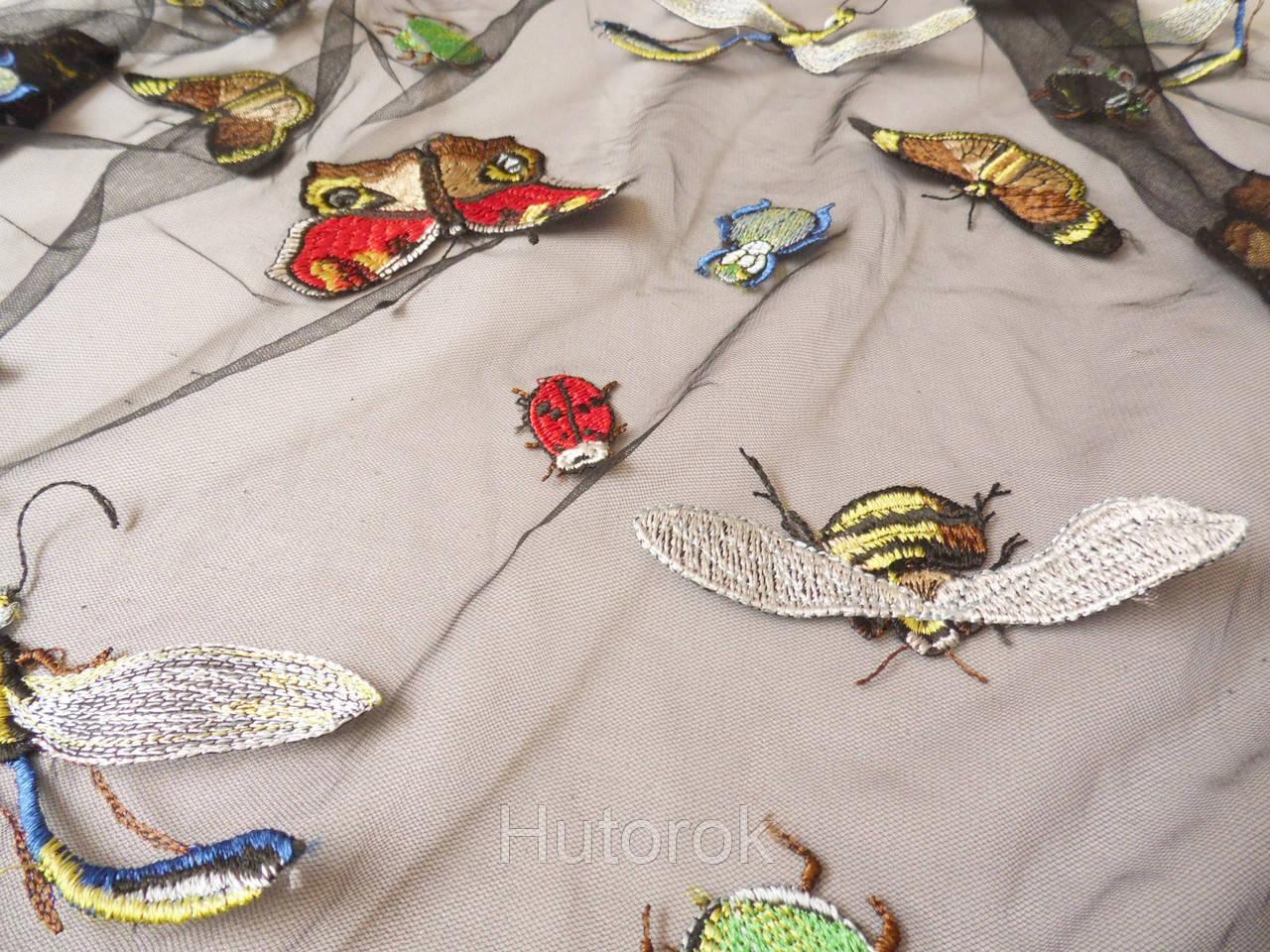 Сетка с вышивкой (жуки)