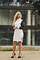 Трикотажное платье с кружевными рукавами
