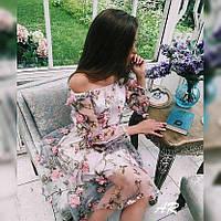 Платье с пришитыми объемными цветами