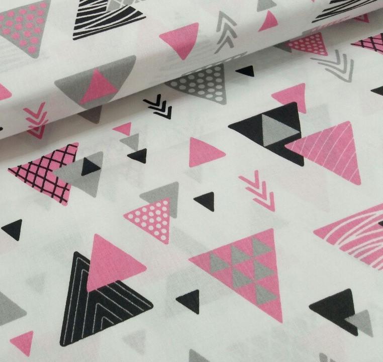 Хлопковая детская бязь польская треугольники ярко-розовые, серые, черные на белом