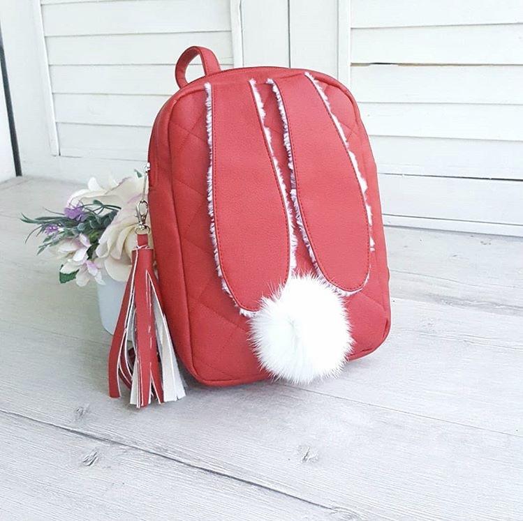 Женский кожаный красный рюкзак зайка с ушками E016